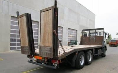 Вантажний евакуатор в Дніпрі